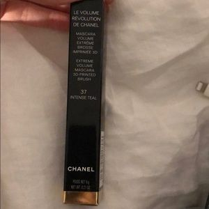 Le Volume De Chanel Mascara- 37 intense teal